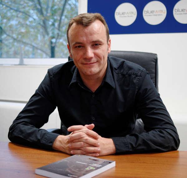 Sylvain Roussy, auteur du livre Neo4j : Des données et des graphes