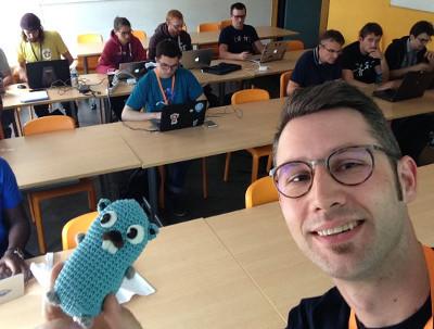 Sébastien Friess avec un gopher, en atelier de formation Go